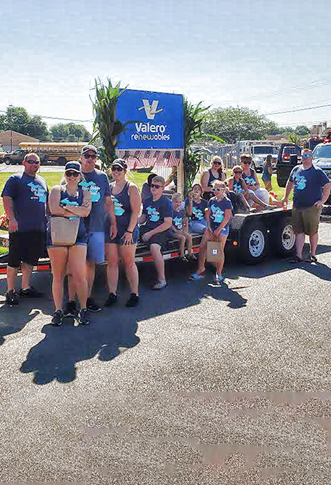 Valero Riga volunteers at local parade