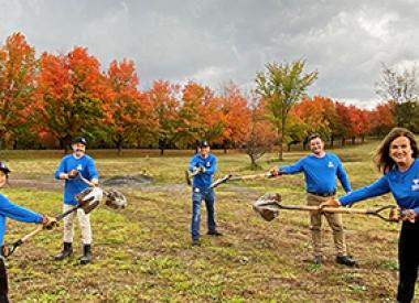 Valero Quebec volunteers plant trees